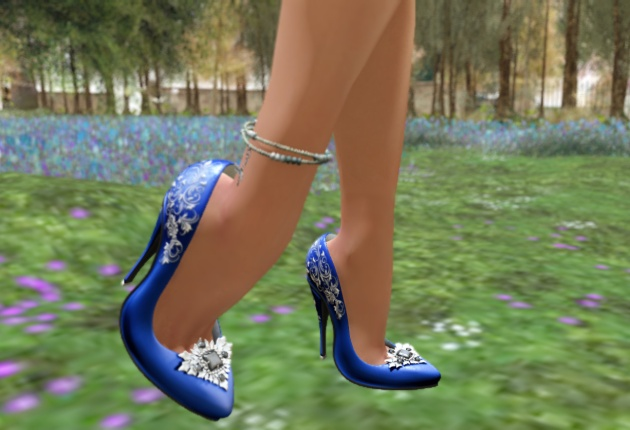 eclectica-pumps-blue